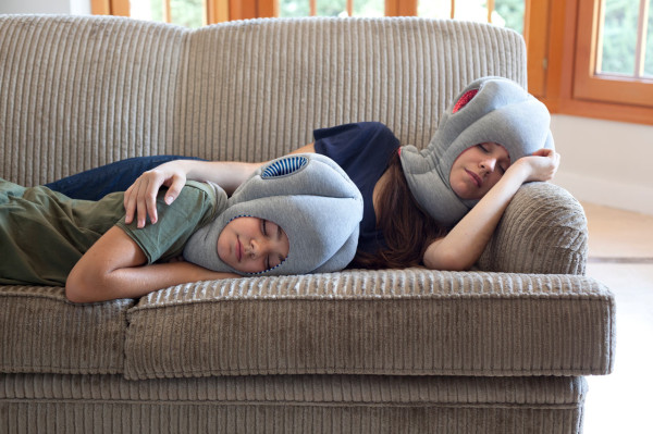 OSTRICH-PILLOW-JN_STUDIOBANANATHINGS_05-600x399